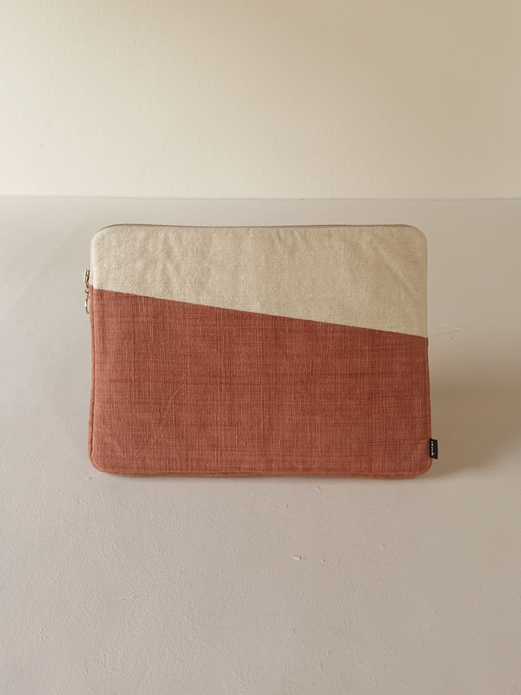 Hand-woven Laptop Case_Red Taro