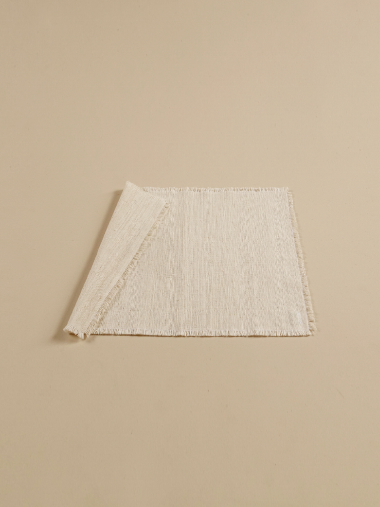 Hand-woven Placemat (Fringe)_Organic White